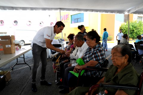 SE BENEFICIAN GUERRERENSES CON APARATOS AUDITIVOS A TRAVÉS DEL DIF GUERRERO (3)